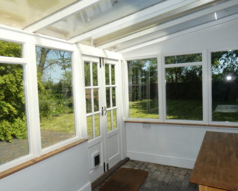 3 bed detached cottage to ler Wroxall