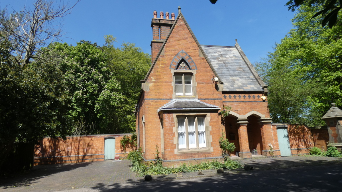 3 Bed detached cottage to let wroxall