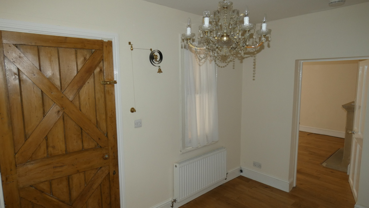 3 bed detached cottage to let Wroxall 2