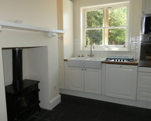 3 Bed detached Cottage to let Wroxall 3