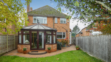 3 bed detached house to let